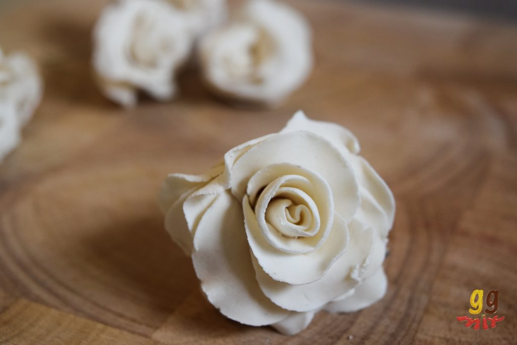 white rose made from modelling chocolate
