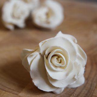 HOW TO MAKE FLAVOURED CHOCOLATE ROSES