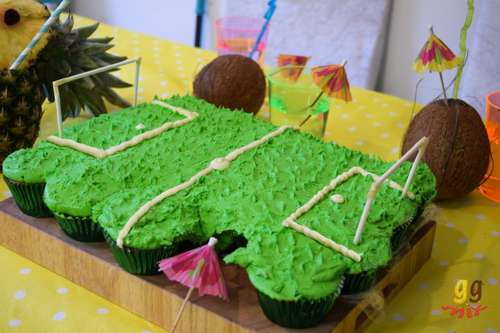 tropical football pull apart cupcake 2
