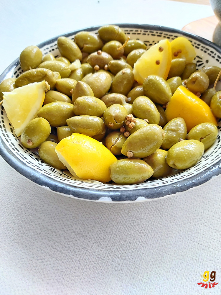 ELIES TSAKISTES GREEK CRACKED GREEN OLIVES IN A BOWL